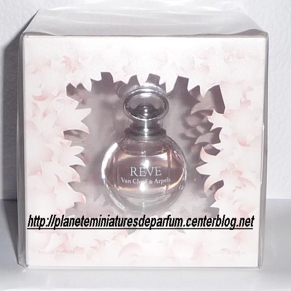 miniatures de parfum en double page 9. Black Bedroom Furniture Sets. Home Design Ideas