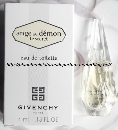 28 Page Miniatures Double En De Parfum FJlu1cT3K